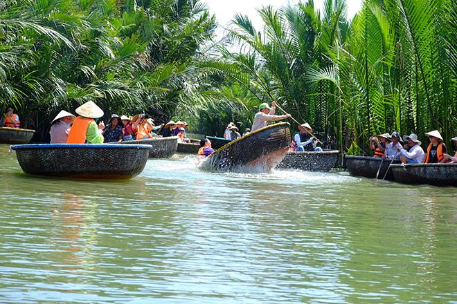 basket-boat-tour-3