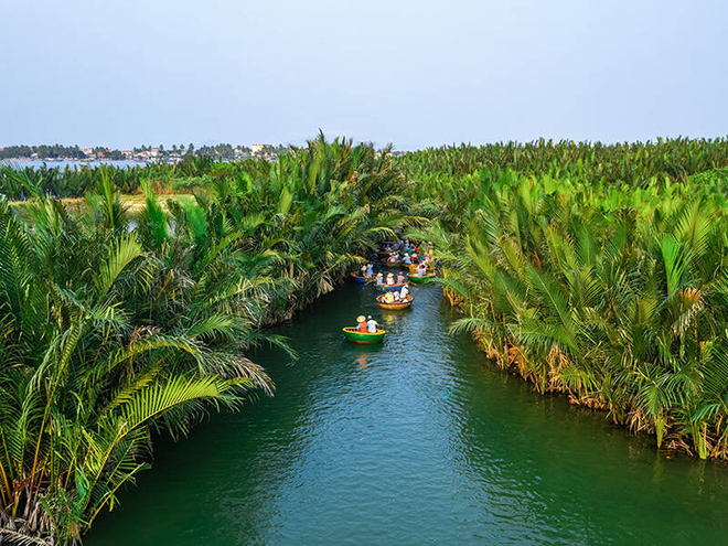 Why Basket Boat Tour In Hoi An Is A Refreshing Breeze of the Old Town