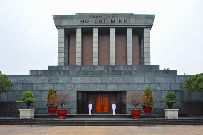 Hanoi city itinerary to discover most highlights Ho Chi Minh Mausoleum